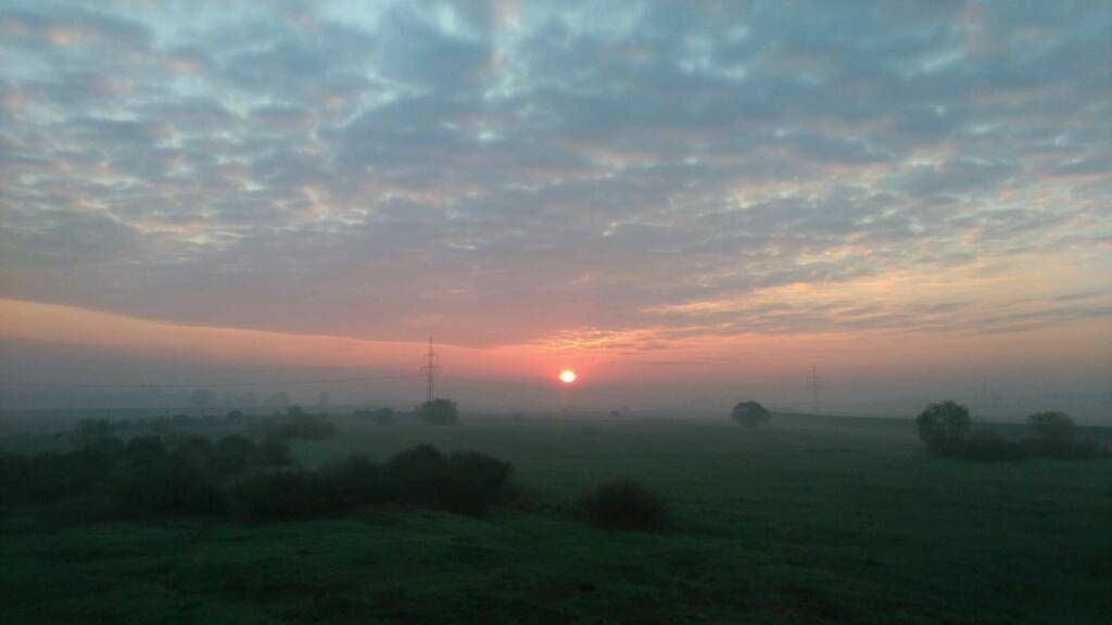 Wschód słońca między Wolą a Zabierzowem